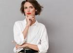 Így viseld a laza fehér inged, hogy ne legyen férfias