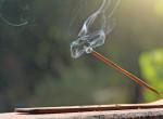 Így használd a füstölőket, hogy megszabadulj a negatív energiáktól