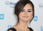 Íme a valóság: smink nélkül, bikiniben fotózták le Selena Gomezt! Fotók