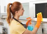 Se vegyszer, se súrolás: Ezzel a trükkel 5 perc alatt tiszta lesz a mikród!