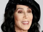 Brutális test - Elképesztően néz ki a 73 éves Cher - videó