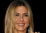 Titkos eljegyzés? Jennifer Aniston hatalmas gyémántgyűrűt villantott