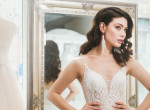 Kinézett egy gyönyörű esküvői ruhát online, elájult, mikor megjött a rendelése