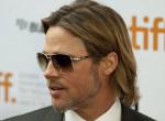 Szexi építőmunkás Brad Pitt hasonmása! Meg is él belőle - Fotók