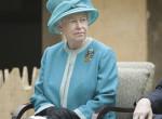 Univerzális stílus: ezért hord mindig kesztyűt II. Erzsébet királynő