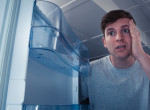 Elájult a pasi, mit talált költözés után a hűtőjében - 40 éve ott hevert