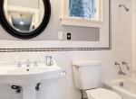 Panel-átalakítás: apró fürdőből tágasabbat