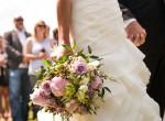 Meglepő ruhában ment férjhez a magyar szupermodell! - Fotók