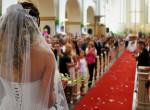 Kiröhögte a vőlegény a menyasszonyt, mikor meglátta az oltárnál - kitört a botrány