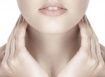 Szépségápolási tippek a nyaki bőr karbantartására - itt jelennek meg először a ráncok