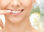 Ezekre a vitaminokra van szükséged, hogy egészségesek legyenek a fogaid