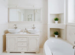 Nem csak a gazdagoknak jár a hófehér fürdőszoba: Így úszd meg olcsón, stílusosan
