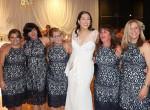 Te kiszúrod, mi a furcsa ezen az esküvői fotón?