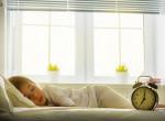 Így ugraszd ki a gyereket az ágyból - 6 módszer, ami biztosan segít
