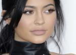 Meztelenül pózol a Playboynak Kylie Jenner, de van itt valami furcsa