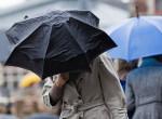 Az ország egyik fele elteheti az esernyőket, a másik fele viszont zivatarokra számíthat