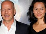 Kitört a szerelemháború: Bruce Willis exneje és felesége egymásnak estek