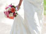 Ettől a menyasszonyi ruhától neked is eláll a lélegzeted - Íme a tökéletes darab