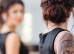 Mindent letarol: ez a tetkó hódít a nők között! - Fotók