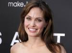 Tényleg randizik? Kiderült az igazság Angelina Jolie új párjáról