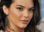 Valami nagyon nem stimmel Kendall Jenner címlapfotójával