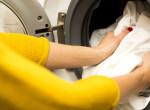 Kis híján megállt a szíve a nőnek, mikor meglátta, mi van a mosógépben