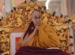 Aggasztó fertőzés: Kórházba vitték a dalai lámát