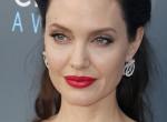 Így lehet olyan telt ajkad mint Angelina Jolie-nak, szájfeltöltés nélkül