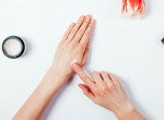 Kiszárítja a kezed a kézfertőtlenítő? Itt van 5 varázslatos tipp, amivel megelőzheted