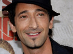 """Ő a világ legszexibb """"csúnya"""" színésze - Adrien Brody ma 45 éves"""