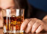 Kiverte a biztosítékot – Alkohollal fogyókúrázik a kisgyerekes énekesnő