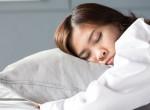 Pontosan ennyit kellene aludnod éjszaka, hogy gyorsabban fogyj