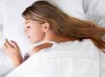 Ebben az alvópózban soha nem szabadna aludnod: Nyomós ok van rá