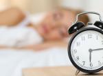 Memóriazavarokat okozhat, ha ennyi ideig alszol esténként