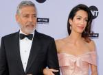 George Clooney joggal büszke, Amal ennyire dögös a hétköznapokon - Fotó