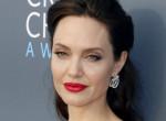 Féltékeny lenne? Angelina Jolie így reagált Brad Pitt és Jennifer Aniston fotóira