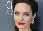 Megőrült? - Angelina Jolie érthetetlen dolgot tett a nyílt utcán