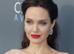 Angelina Jolie a legsármosabb hollywoodi színésszel randizik