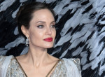 Angelina Jolie berágott: ezzel a színésznővel töltötte a karantént Brad Pitt