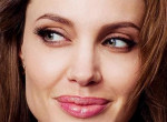 Angelina Jolie: Bánom, hogy valaha is közöm volt Brad Pitthez!
