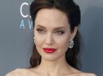 Mi ez a smink? Angelina Jolie sose nézett még ki ilyen rosszul