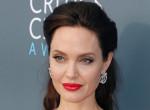Angelina Jolie őrjöngött - Így reagált Brad Pitt és Charlize Theron viszonyára