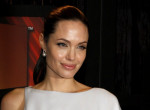 Gusztustalan - Így reagált Angelina Jolie, hogy Brad Anistonnal bulizott