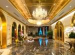 Nem semmi! Megnyílt a világ első szállodája, ahol minden aranyból készült - Fotók