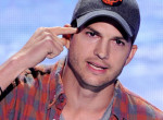 Ashton Kutcher nagyon kiakadt a magyarokra, így üzent nekünk