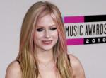 Fájdalmas vallomás: Avril Lavigne élet-halál között lebegett