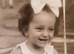 Felismered a magyar énekesnőt a gyerekkori fotón?
