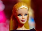 Különleges babákkal ünnepli a nőnapot és a 60. szülinapját a Barbie