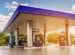 Rossz hír az autósok számára: mától ismét emelkedik a benzin ára