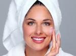Négy bőrápoló termék 30 felett, ami egy nő neszeszeréből sem hiányozhat